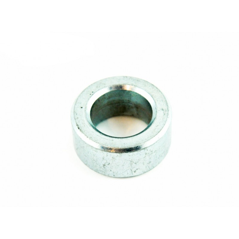 Spacer for mower blades - M16 bolt