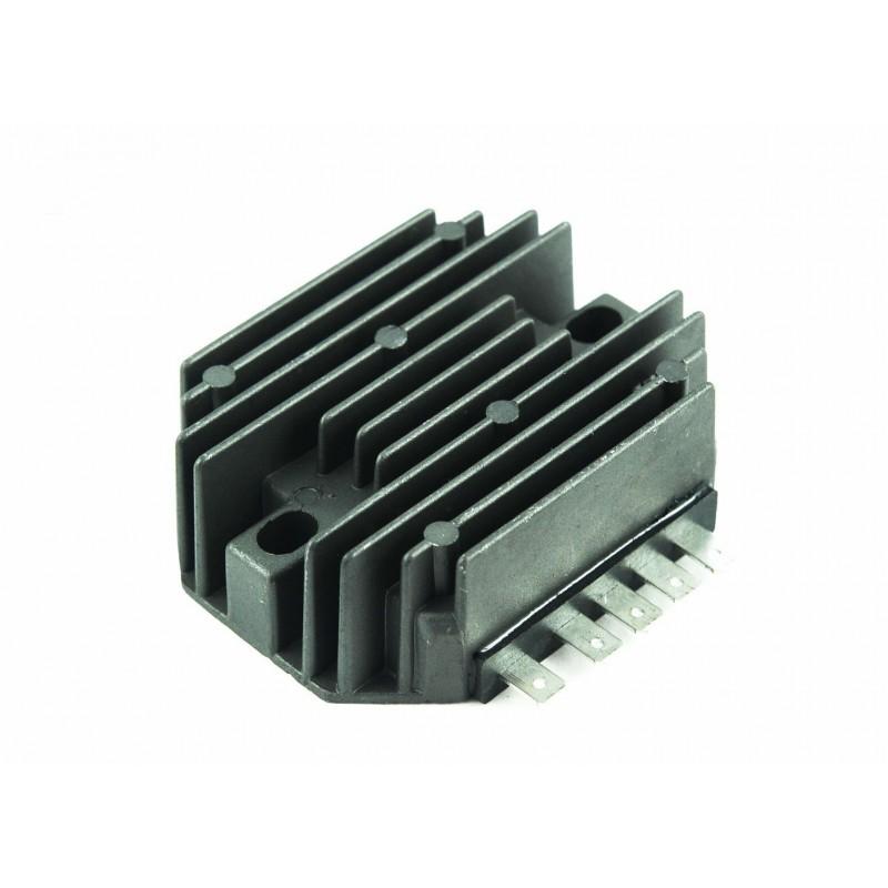 Voltage Regulator 12V YANMAR ISEKI 129150-77710