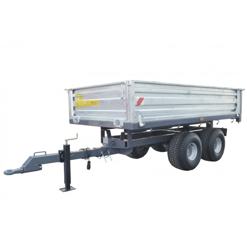 Two-axle trailer with a tipper for a 2.5 T tractor