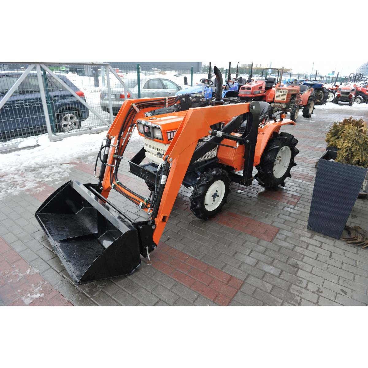 Kubota ZB1402 DT 4x4 14HP with front leader