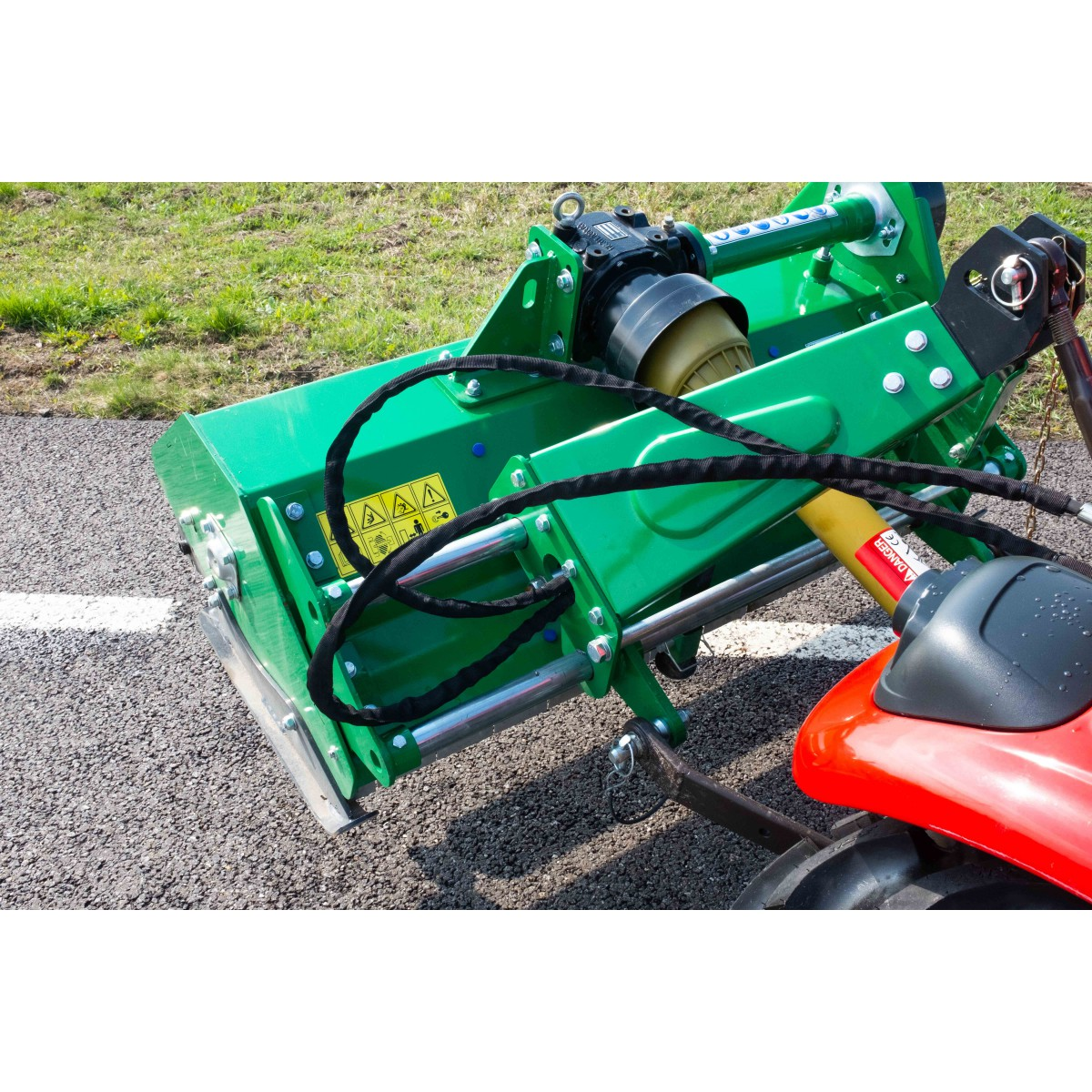 Heavy class flail mulcher (mulch) EFGCH with a working width of 145 cm with side shift